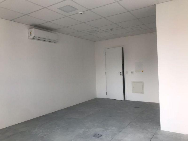 Sala venda Liberdade - Referência SL00135